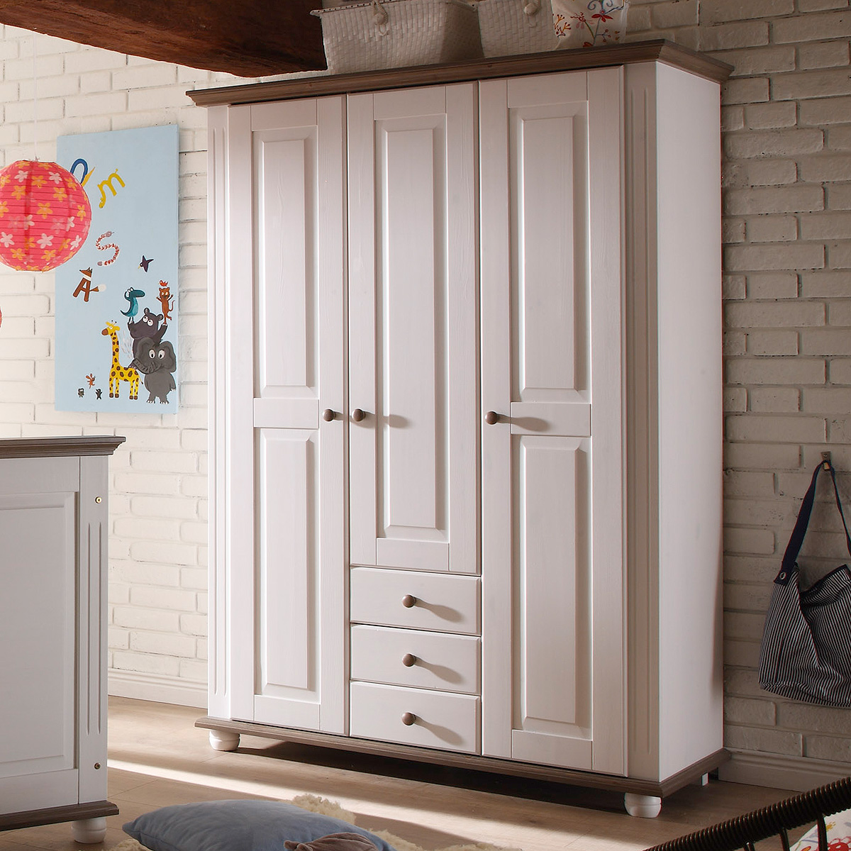 kleiderschrank laura kinderzimmer schrank kiefer massiv in wei und lava 130 cm ebay. Black Bedroom Furniture Sets. Home Design Ideas