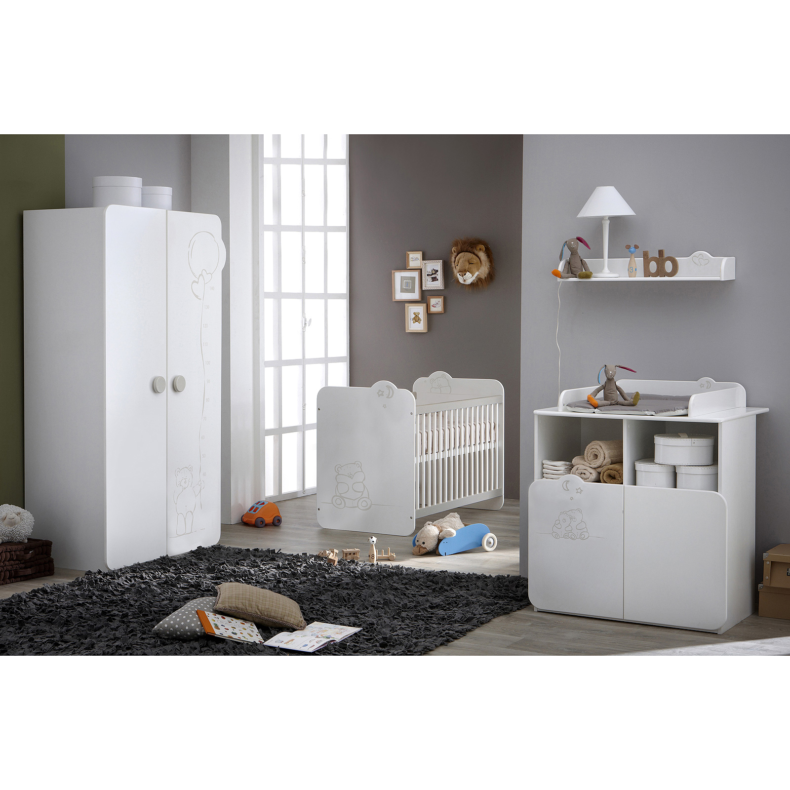 babyzimmer teddy kinderzimmer schrank bett wei mit teddymotiv. Black Bedroom Furniture Sets. Home Design Ideas