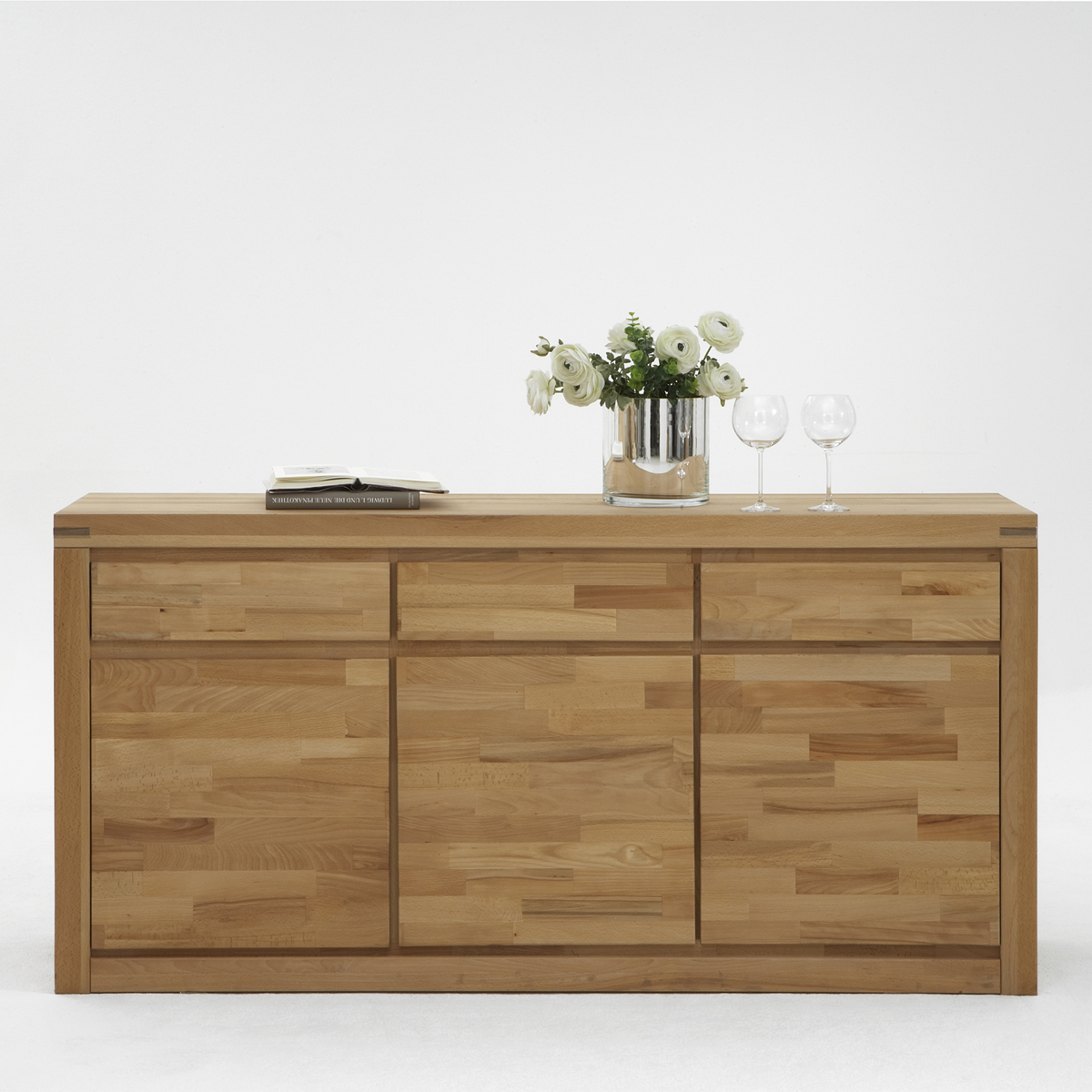 sideboard delft 6010 wohnzimmer kommode kernbuche massiv lackiert ebay. Black Bedroom Furniture Sets. Home Design Ideas
