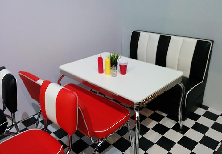 bank elvis american diner 50er jahre rockabilly sitzbank in rot gestell chrom ebay. Black Bedroom Furniture Sets. Home Design Ideas