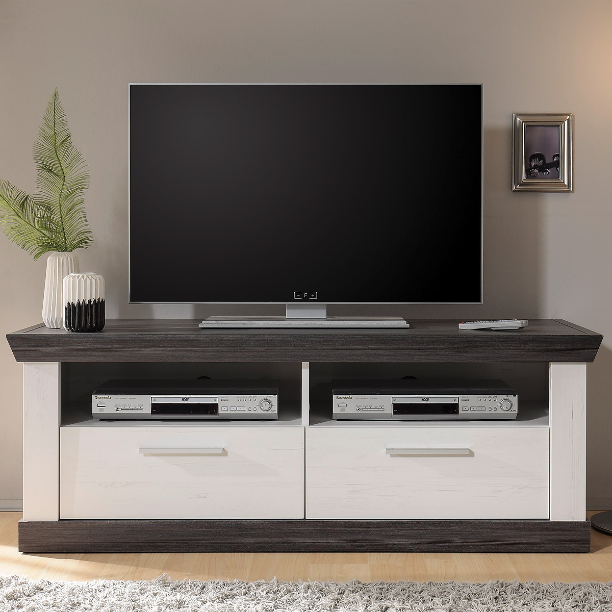 lowboard tiena tv board fernsehschrank unterschrank in. Black Bedroom Furniture Sets. Home Design Ideas