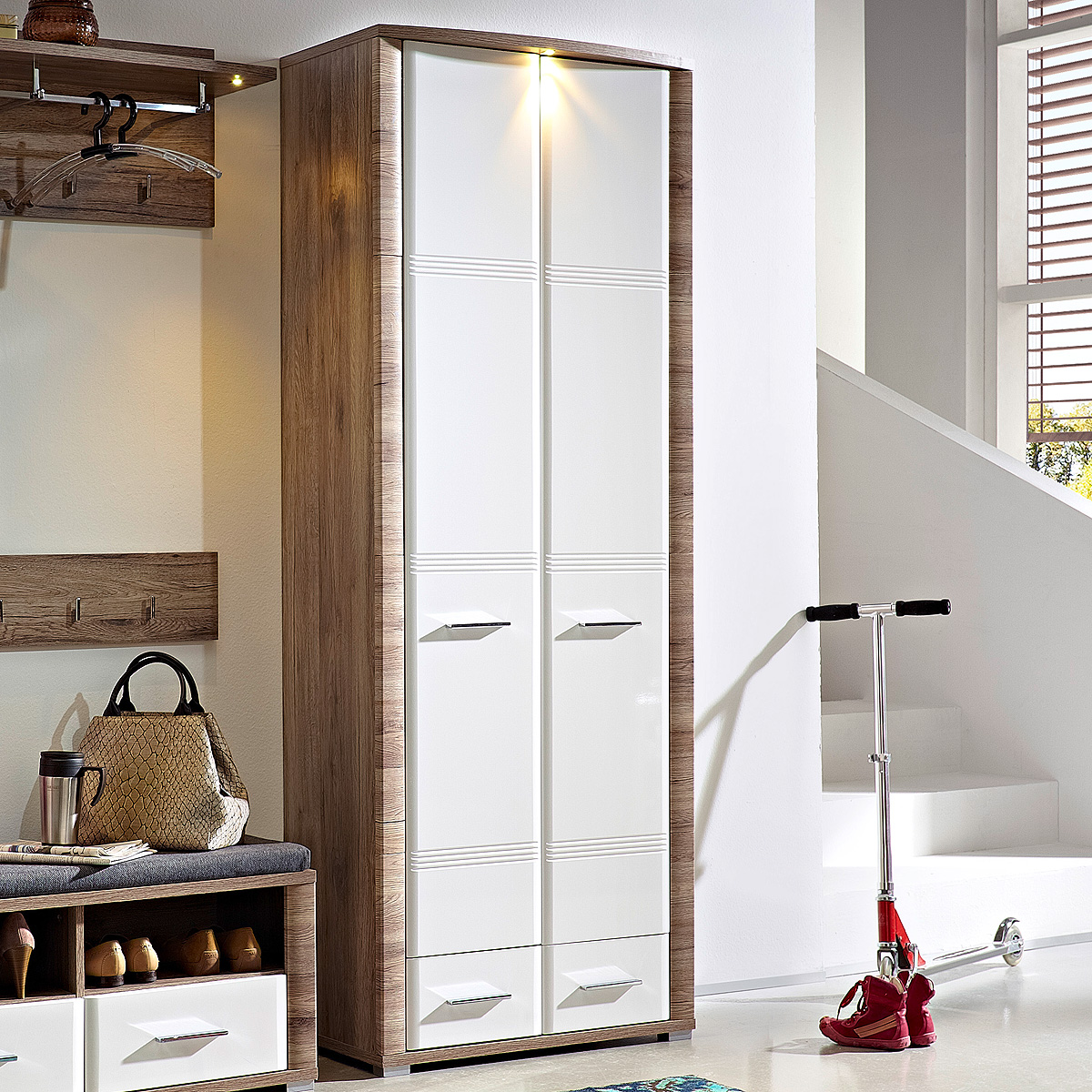 garderobenschrank flame garderobe in san remo eiche und wei hochglanz mit led ebay. Black Bedroom Furniture Sets. Home Design Ideas