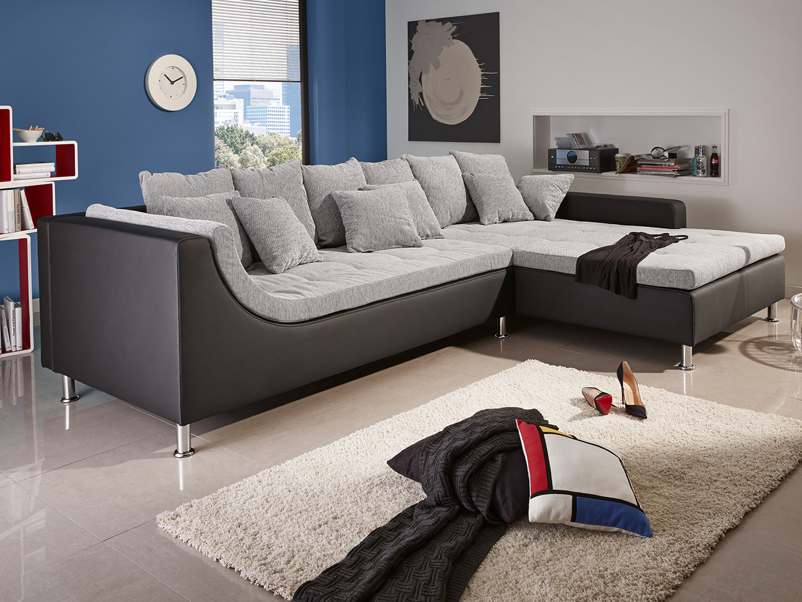 wohnlandschaft montego ecksofa sofa couch mit ottomane mit kissen und hocker. Black Bedroom Furniture Sets. Home Design Ideas