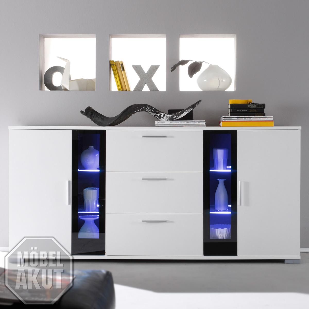 sideboard sly kommode in weiss schwarzes glas. Black Bedroom Furniture Sets. Home Design Ideas