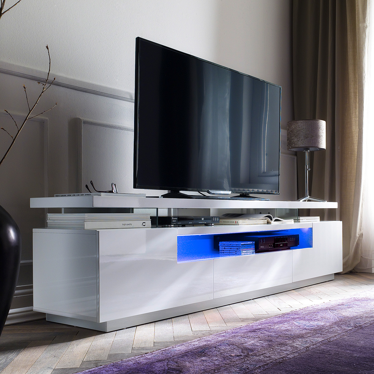tv board evelina lowboard hifi media m bel mdf wei hochglanz lackiert inkl led ebay. Black Bedroom Furniture Sets. Home Design Ideas