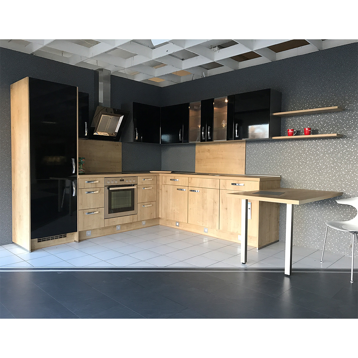 einbauk che nobilia ausstellungsk che k che in schwarz hochglanz eiche e ger te eur. Black Bedroom Furniture Sets. Home Design Ideas