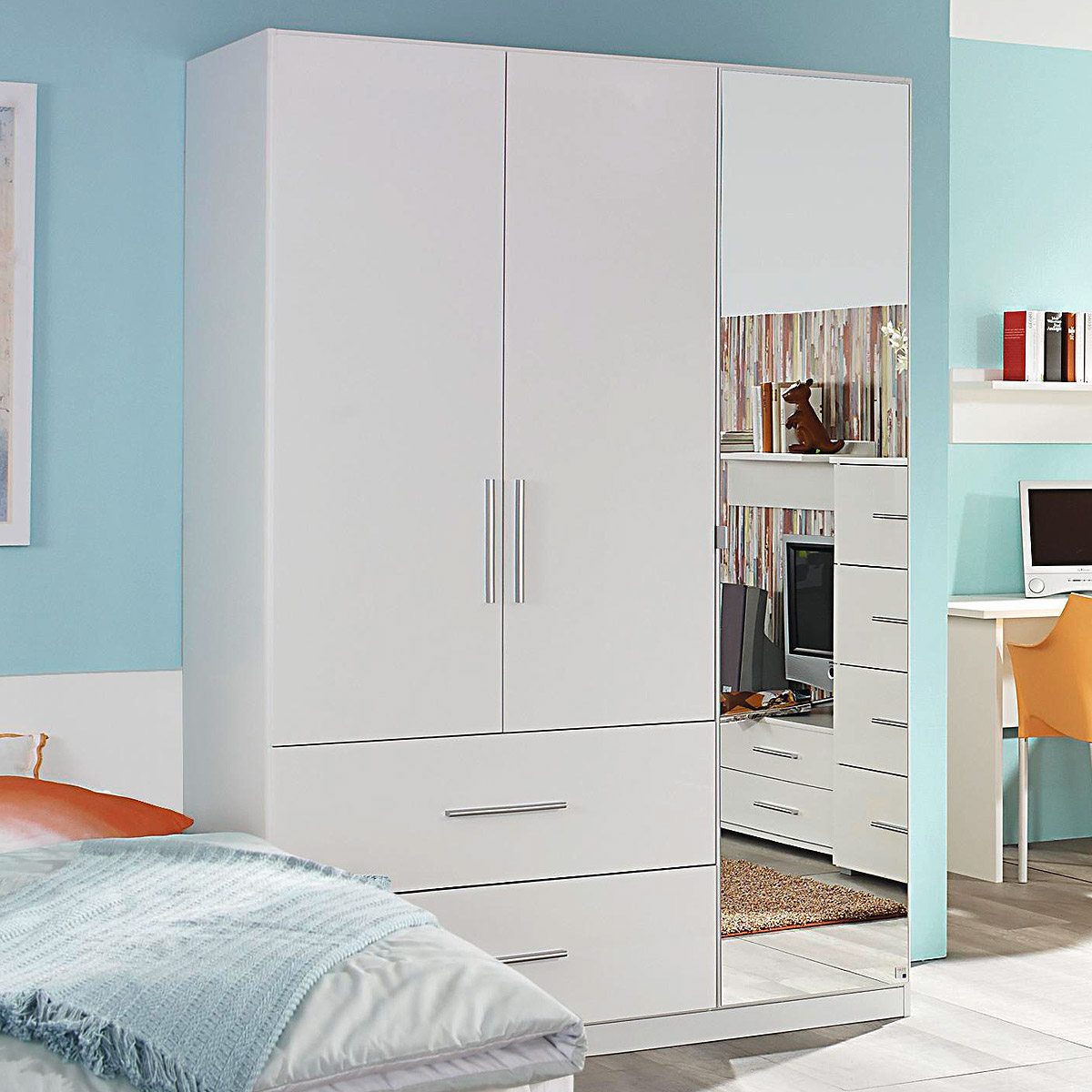 kleiderschrank manja kinderzimmer jugendzimmer wei hochglanz b 136 cm. Black Bedroom Furniture Sets. Home Design Ideas