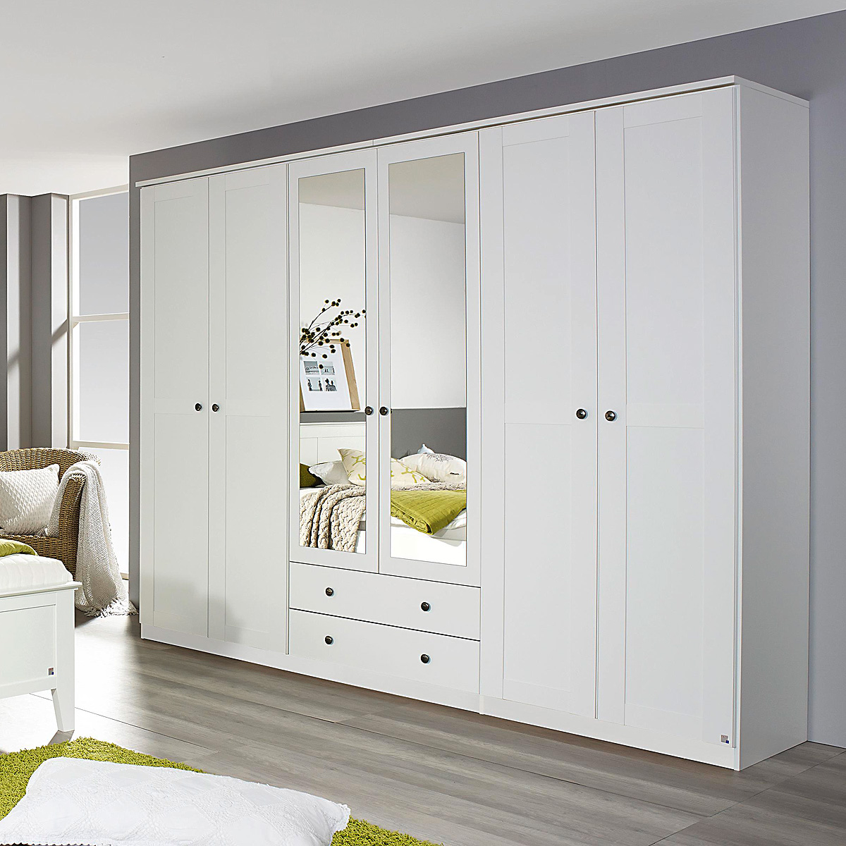 schrank mit vorhang wandschrank odeon schrank. Black Bedroom Furniture Sets. Home Design Ideas