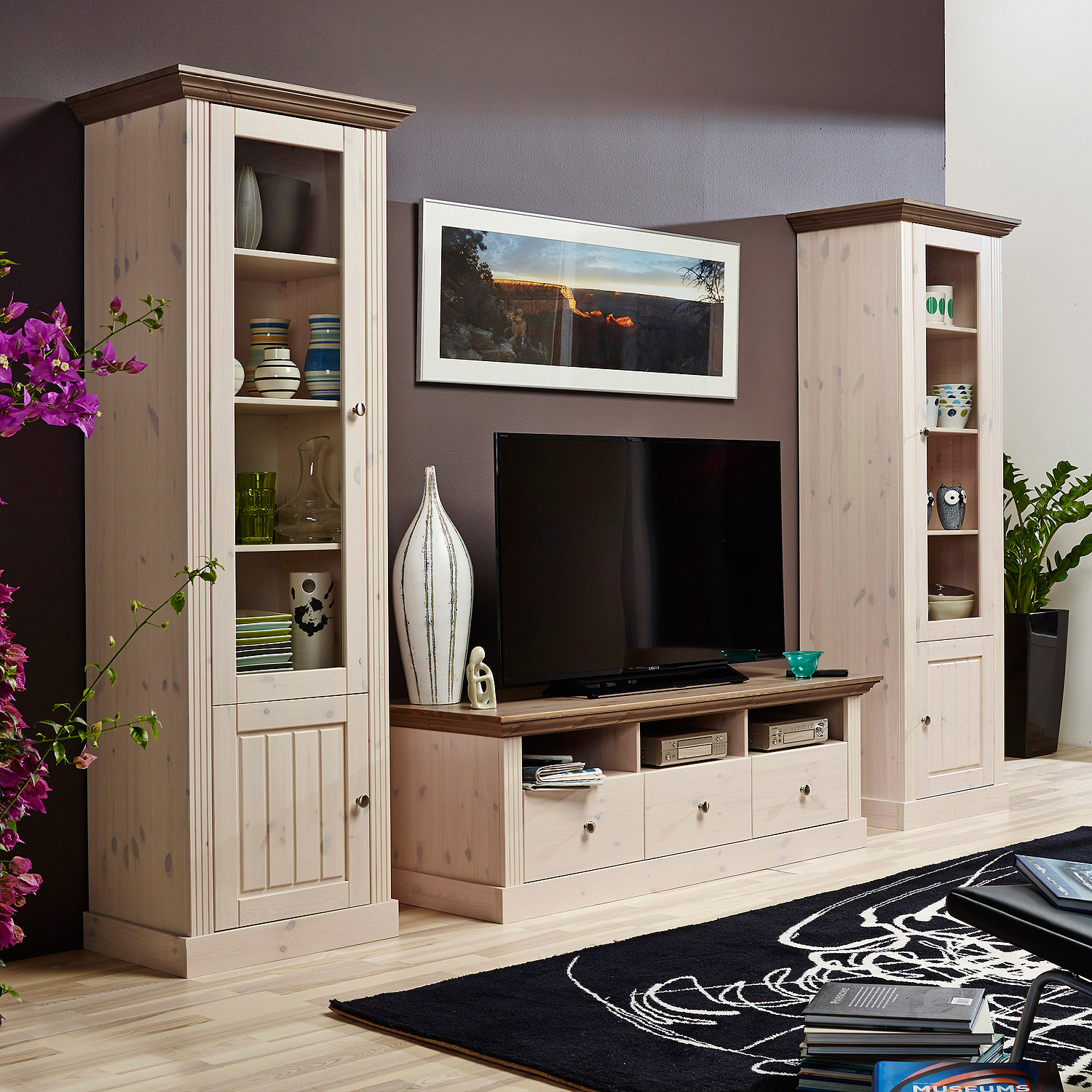 edle wohnwand beautiful wohnwand tv fernsehwand wildeiche gelt massiv natur rustikal with edle. Black Bedroom Furniture Sets. Home Design Ideas