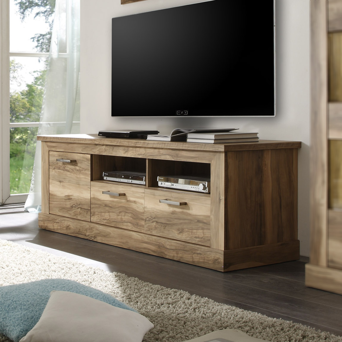 tv lowboard nussbaum inspirierendes design f r wohnm bel. Black Bedroom Furniture Sets. Home Design Ideas