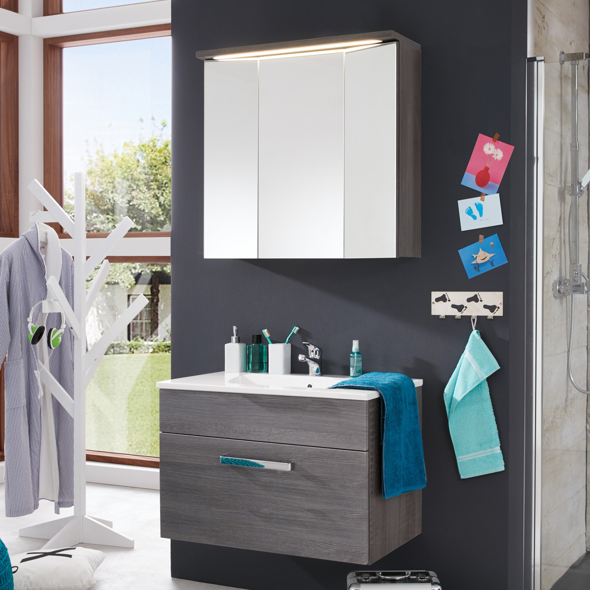 Badezimmer set adamo 2 tlg waschbeckenunterschrank 81cm for Badezimmer set mit spiegelschrank