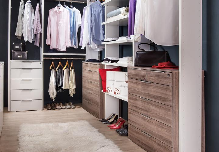 garderobe gro level up begehbarer kleiderschrank in alpinwei montana eiche. Black Bedroom Furniture Sets. Home Design Ideas