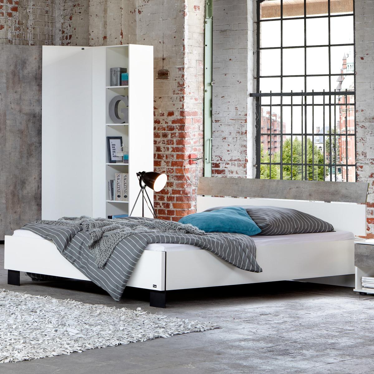 Bett cargo schlafzimmer futonbett alpinwei absetzung for Schlafzimmer bett 140x200