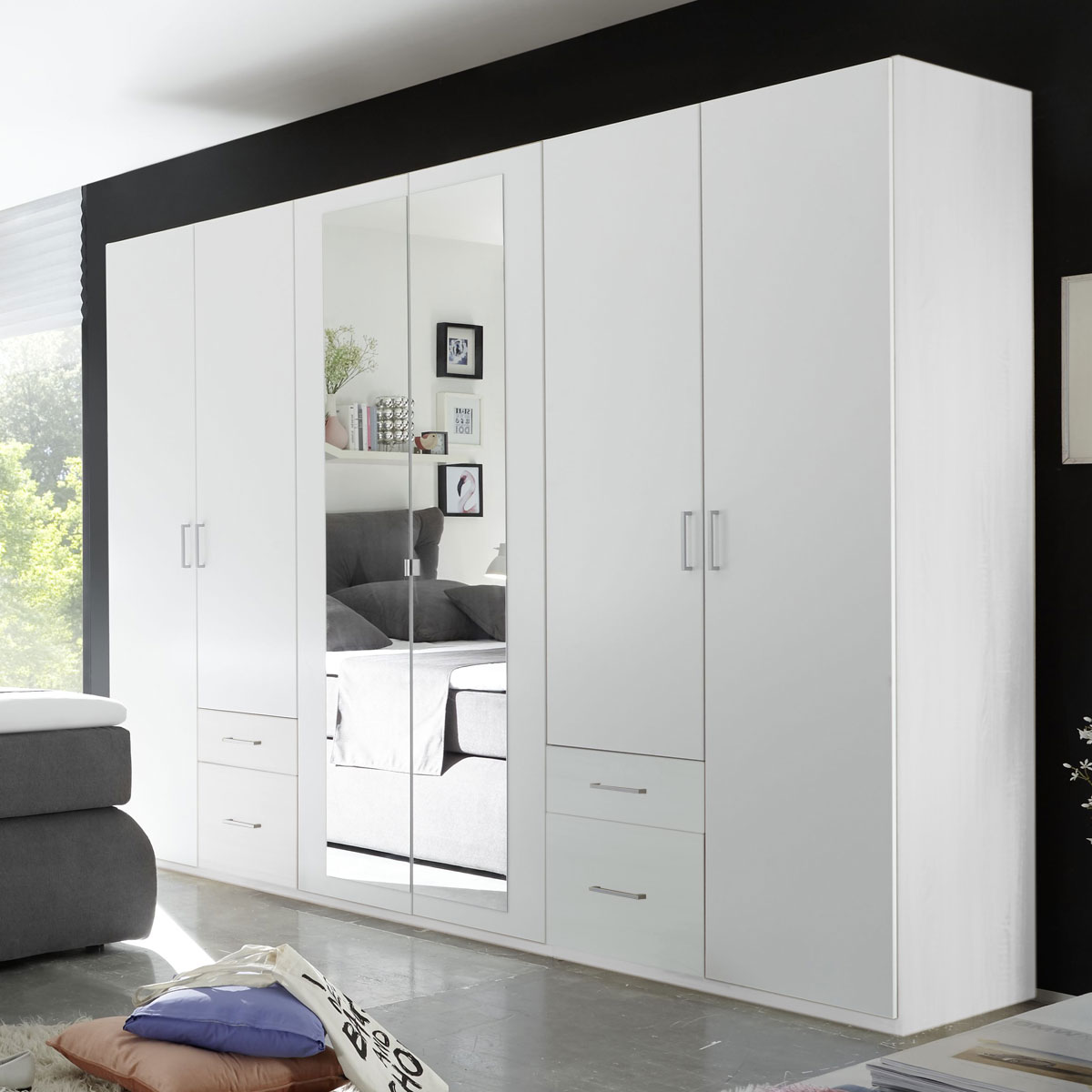 kleiderschrank fly schrank 6 t rig schlafzimmer wei mit spiegel b 270 cm ebay. Black Bedroom Furniture Sets. Home Design Ideas