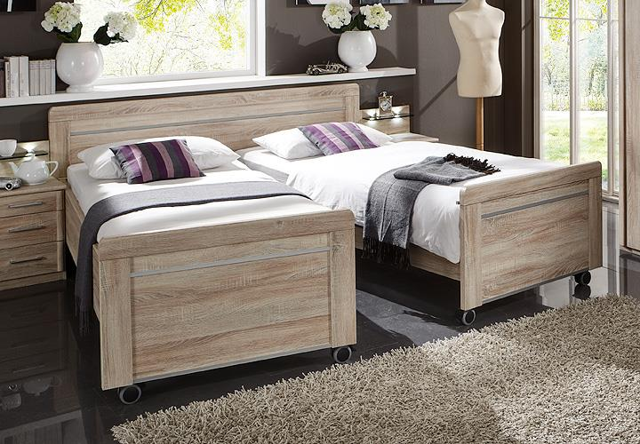 bett meran doppelbett bettgestell auf rollen in eiche s gerau 180x200 ebay. Black Bedroom Furniture Sets. Home Design Ideas